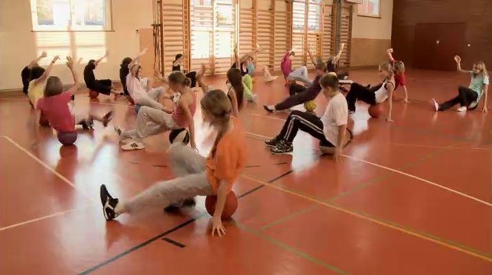 Sportlektion Mit Bällen Und Ragge Primarstufe 4  Klasse